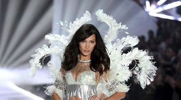 2018 Victoria's Secret Fashion Show - Bella Hadid