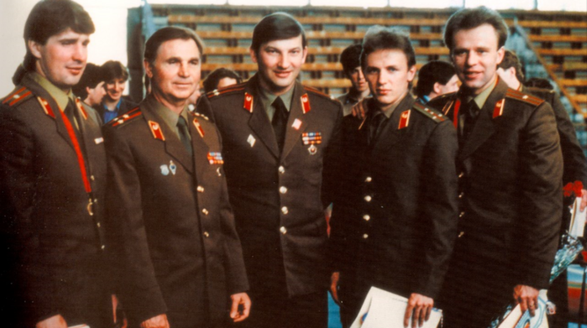 Kasatonov, Tichonov, Tretiak, Larionov, Fetisov