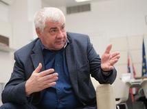 Anketa: Érsek tvrdí, že diaľnica do Košíc mala ísť juhom. Čo si myslíte vy?
