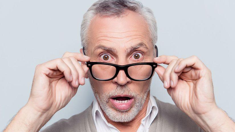 dôchodca, senior, okuliare, dôchodok, prekvapenie