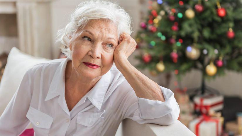Dôchodkyňa, senior, Vianoce, stromček, žena
