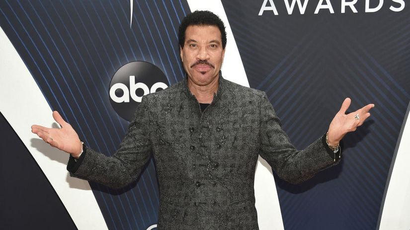 Na vyhlásenie cien prišiel aj spevák Lionel...