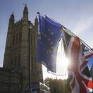 Británia, Brexit, EÚ, vlajky, parlament