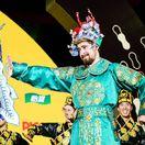 FOTO: Sagan ako pravý Číňan. Obliekol sa, zatancoval, potom pozval na preteky