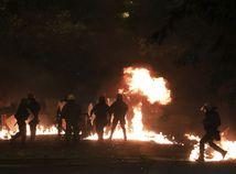 grécko, polícia, výročie, demonštrácia, protest, oheň, požiar
