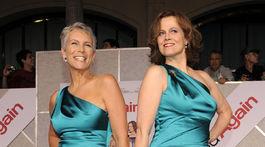 Herečka Jamie Lee Curtis (vľavo) a jej kolegyňa Sigourney Weaver.