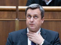 VIDEO: Poslanci rozhodnú o Dankovom osude, šéf parlamentu spochybnil Sulíkovu prácu
