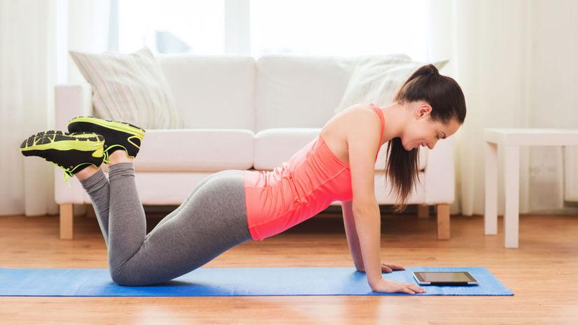 tréning, cvičenie, žena, obývačka, domáce cvičenie