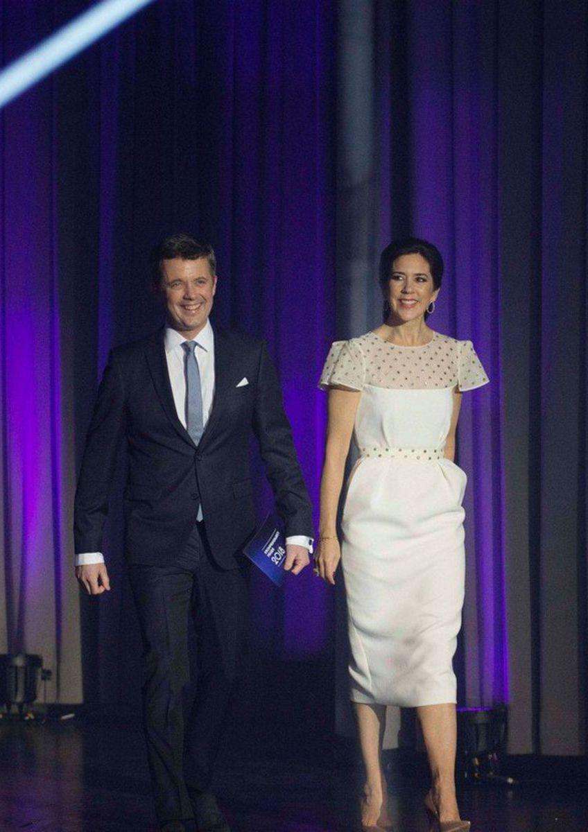 9a9f96b901c1 Spomienka na svadbu  Princezná Mary si obliekla šaty pre nevestu ...