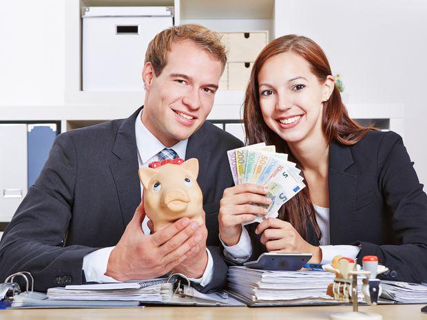 peniaze, živnostníci, úspory, preplatok