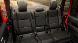 Jeep-Gladiator-2020-1024-b6