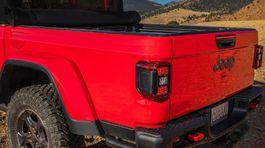 Jeep-Gladiator-2020-1024-c2