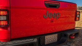 Jeep-Gladiator-2020-1024-c4