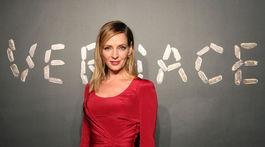 Na prehliadku Versace zavítala aj Uma Thurman.