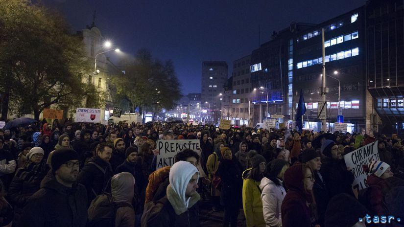 SR Bratislava Greenpeace protest aktivisti...
