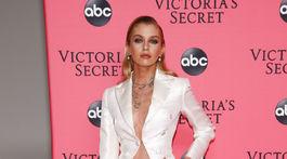 Topmodelka Stella Maxwell na premietaní Victoria's Secret 2018 Fashion Show v New Yorku.