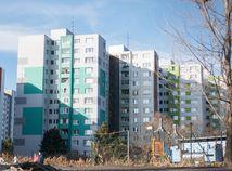 Kultúra vlastnenia bytov Slovákov výrazne zaťažuje