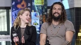 Herečka Amber Heard a jej kolega Jason Momoa predstavili film Aquaman.