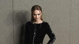 Modelka a herečka Lily-Rose Depp v kreácii Chanel Haute Couture.