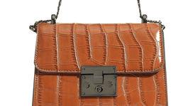 Dámska kabelka Reserved, predáva sa za 34,99 eura.