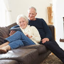 dôchodci, seniori, manželia, dôchodok, penzia
