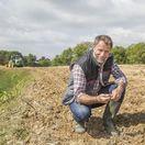 muž, pôda, zem, poľnohospodár