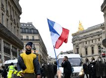 Násilné protesty sú katastrofou pre hospodárstvo, tvrdí francúzsky minister financií