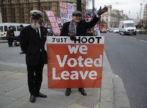 Hlasovanie sa odkladá, Mayovej kabinet sa pripravuje na brexit bez dohody