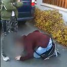 Šikana v Humennom: Chlapec sa musel tyranovi pokloniť a bozkávať mu nohy