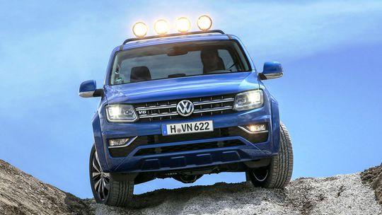 VW Amarok: Nová verzia útočí na Mercedes-Benz triedy X. Má 190 kW!
