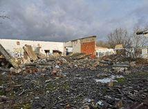 hliváreň, fabrika, jelka, ruina