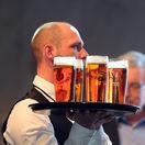 Tridsiatnici pijú pivo inak ako šesťdesiatnici