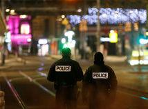 Na vianočných trhoch v Štrasburgu sa strieľalo, hlásia obete