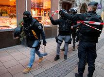 Strelec v Štrasburgu zabil troch ľudí a 13 zranil, je na úteku