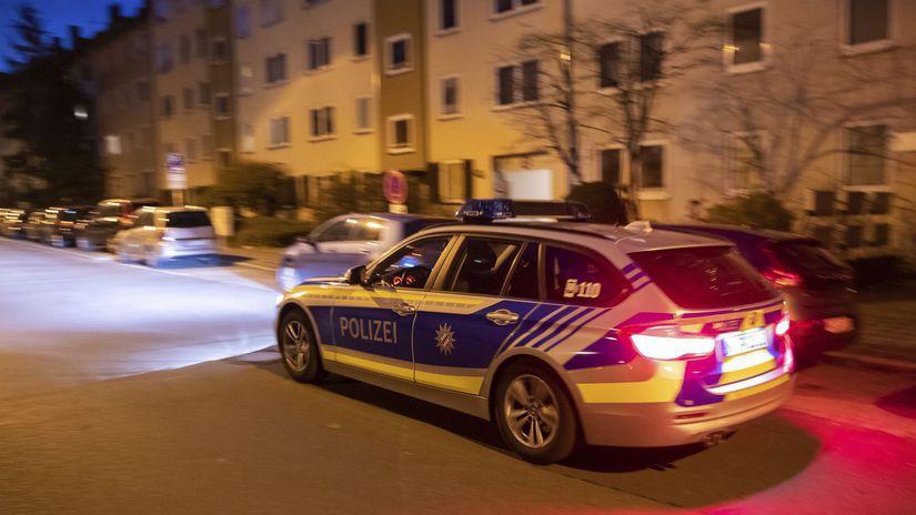 Nemecko Norimberg ženy dobodanie, polícia, auto