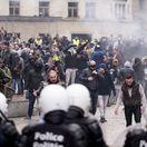 V Bruseli protestovali tisíce ľudí proti migračnému paktu