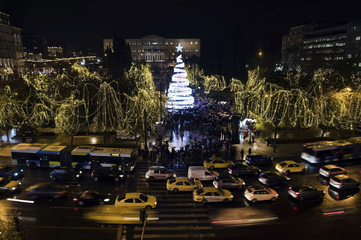 Grécko, Atény, Vianoce, stromček, ozdoby, svetielka, sviatky,