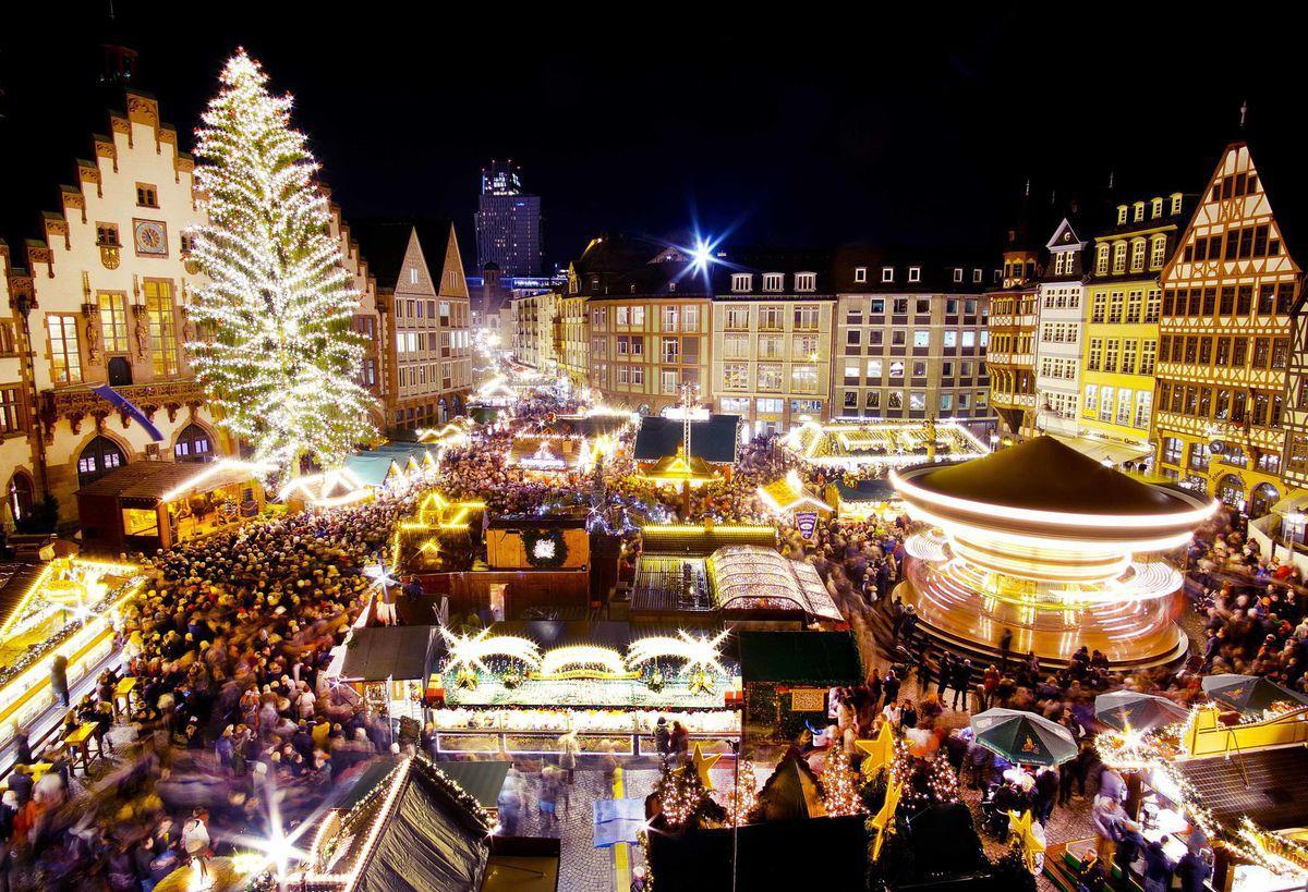 Nemecko, Frankfurt, vianočné trhy, Vianoce, stromček, ozdoby, svetielka, sviatky,