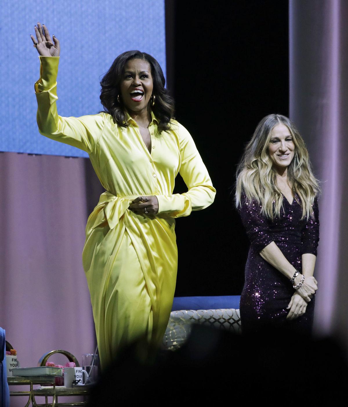 a003b9f36386 Po odchode z Bieleho domu je z Obamovej disko-diva! Čižmy za 3500 ...