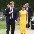 Britian Britský princ Harry a jeho polovička - vojvodkyňa Meghan v žltých šatách
