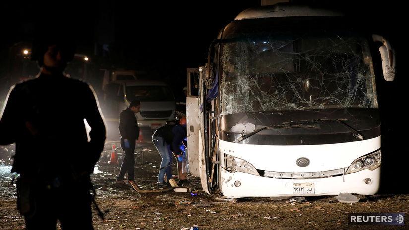 Gíza, Egypt, výbuch, bomba, turisti, autobus