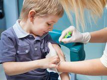 osýpky, očkovanie, dieťa, lekár, injekcia