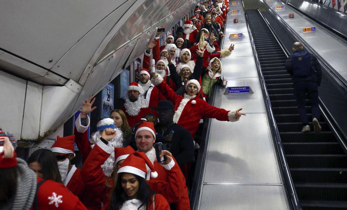 Británia, Santa Claus, Vianoce, metro