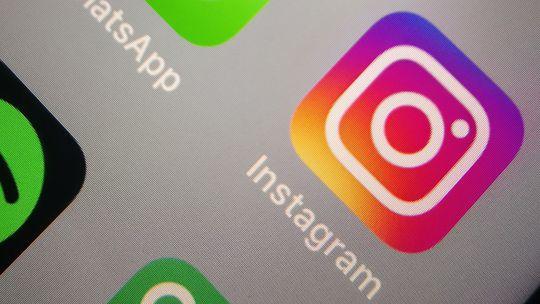 Instagram, Whatsapp, mobilná aplikácia, sociálna sieť