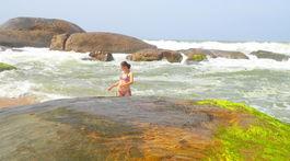 Kirinda, Srí Lanka, kamene, more