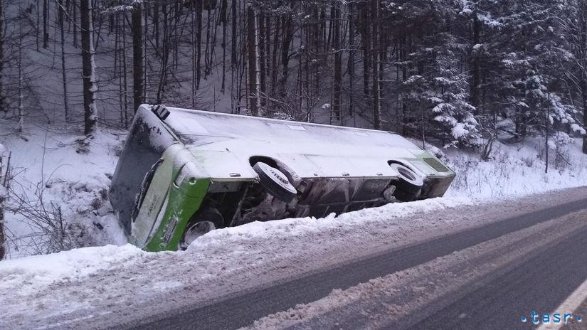 SR Liptovská Osada autobus nehoda počasie...