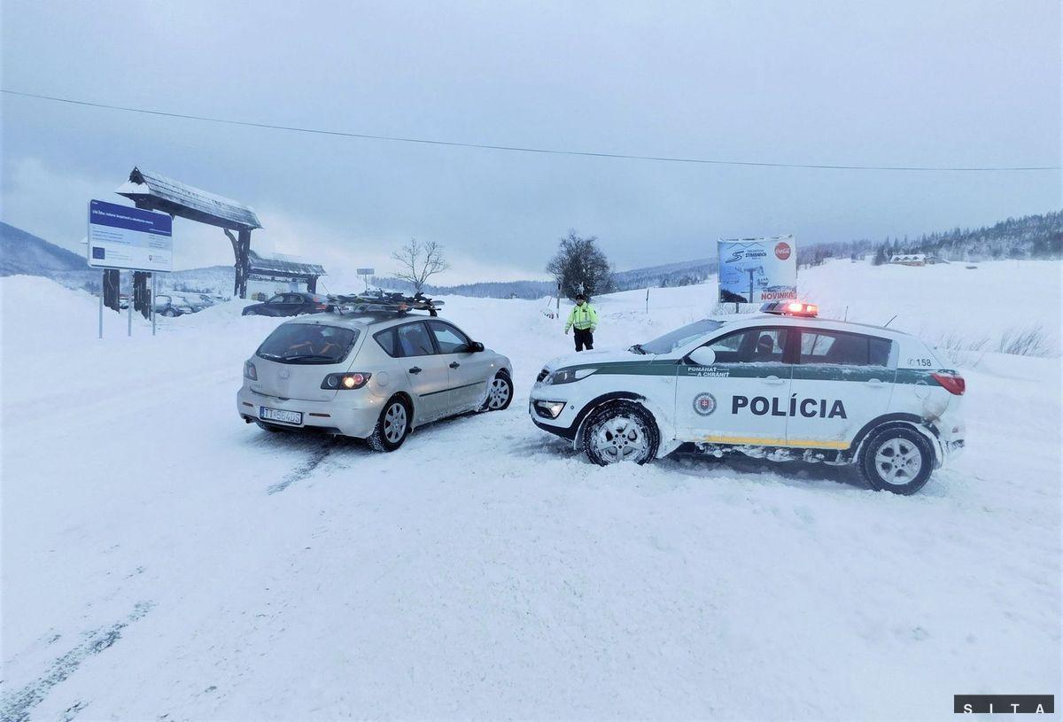376dcc4f06f Sneh komplikuje dopravu na Slovensku - Domáce - Správy - Pravda.sk