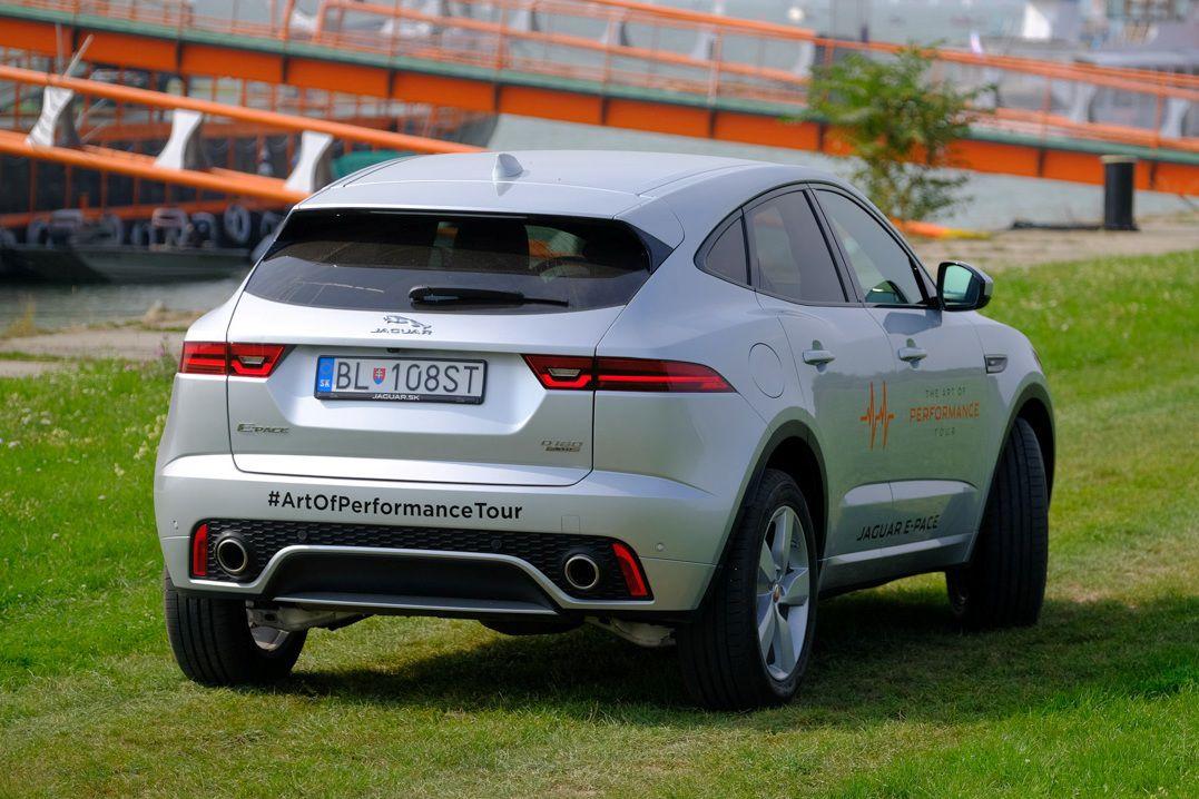 d82e3f590e2 Test  Jaguar E-Pace D180 AWD – príliš hravé mláďa - Testy - Auto ...