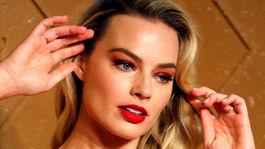Margot Robbie - rúže na perách podľa Hollywoodu