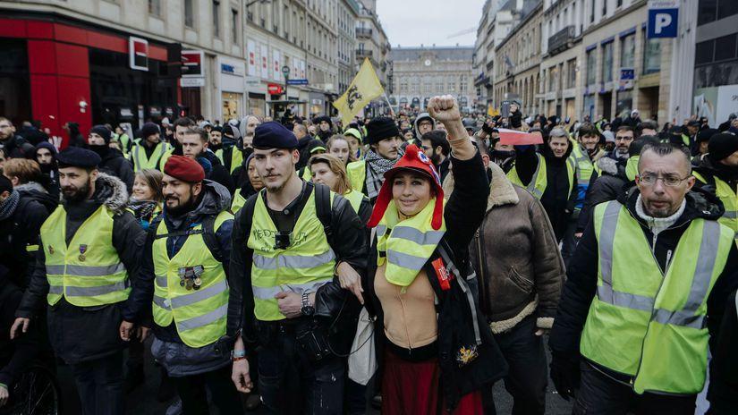 Francúzsko rok nový vesty žlté protesty prvé...